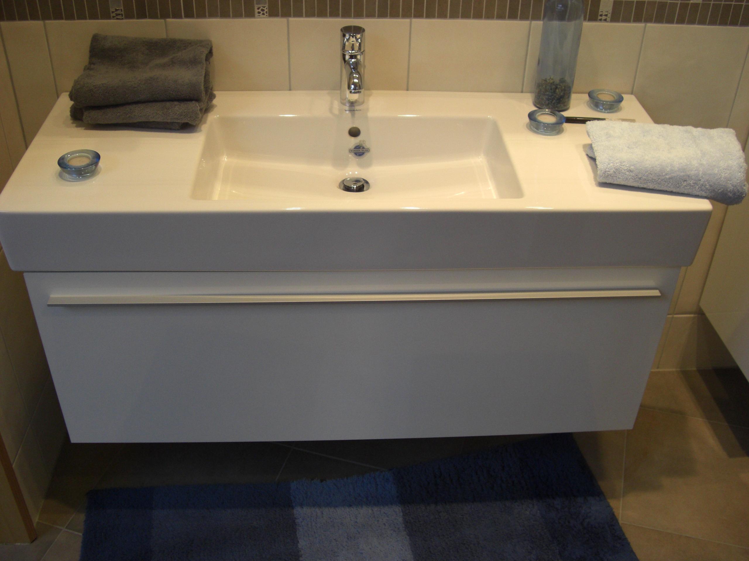 waschbecken duravit vero 85cm 1 hahnloch m belwaschtisch 03298500001 mit wondergliss bernd. Black Bedroom Furniture Sets. Home Design Ideas