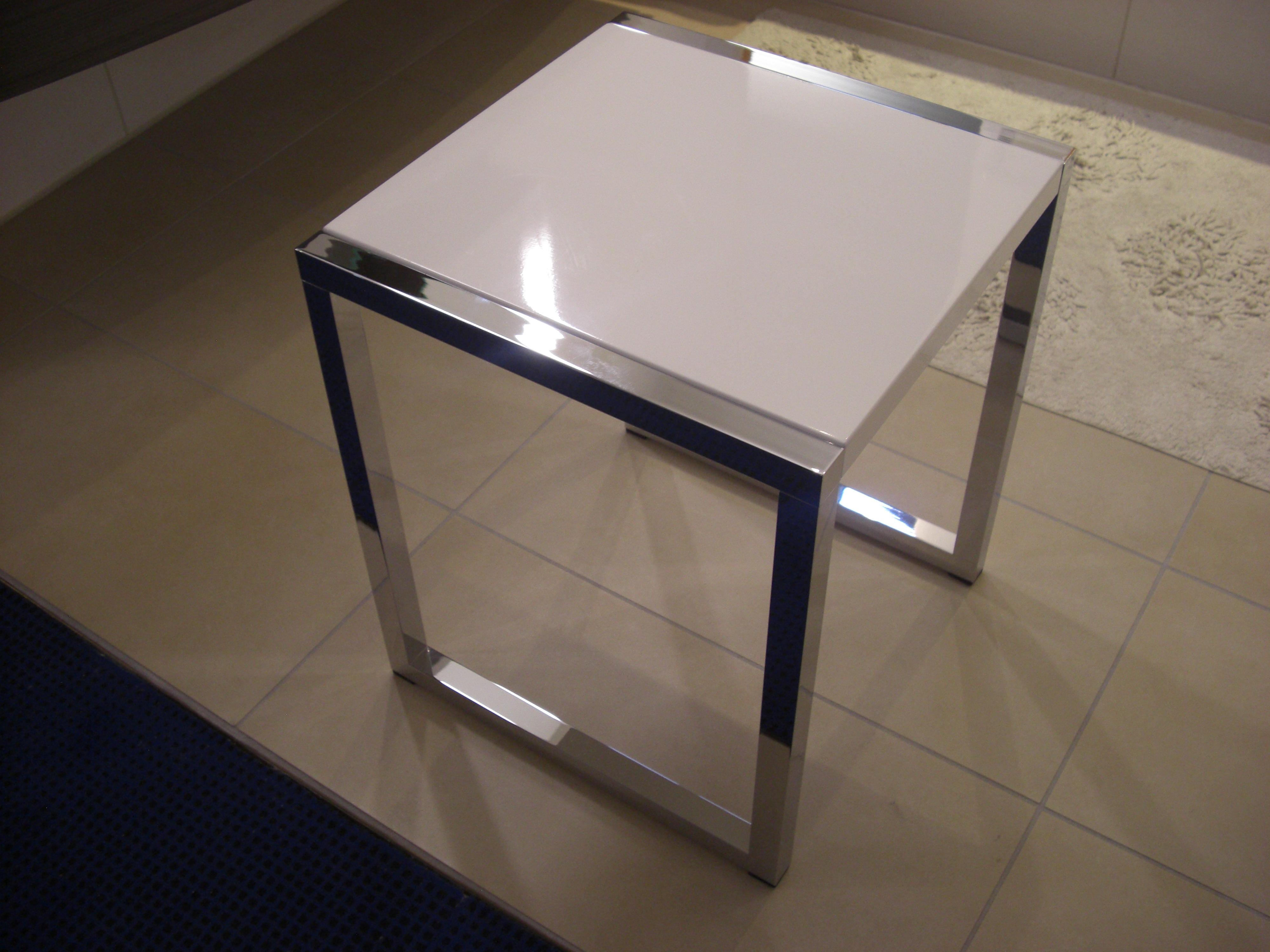 hewi system 100 hocker sitzgelegenheit am waschbecken. Black Bedroom Furniture Sets. Home Design Ideas