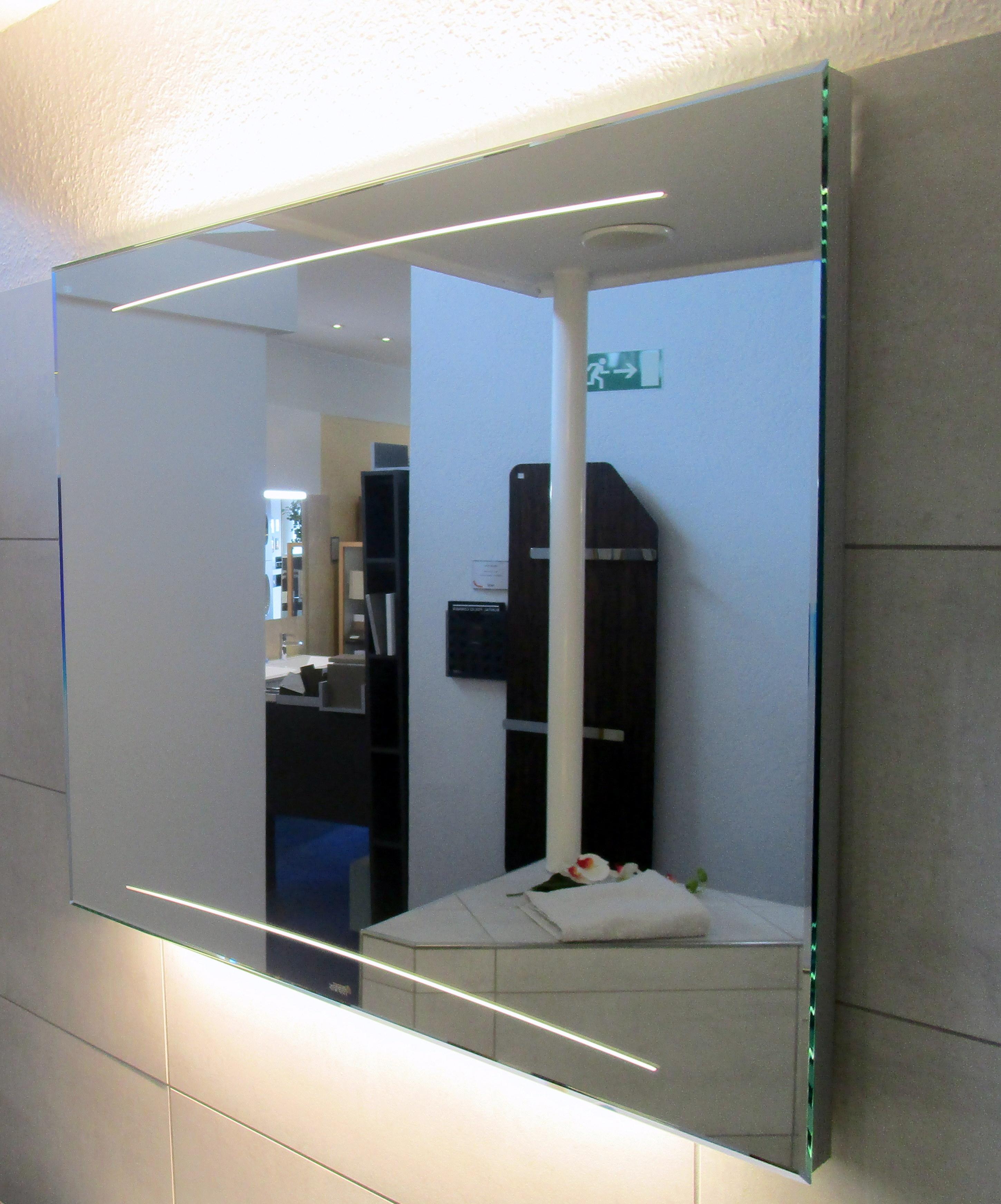 bilder zu zierath z1 lichtspiegel 120x70cm designspiegel mit led hinterleuchtung spiegel. Black Bedroom Furniture Sets. Home Design Ideas