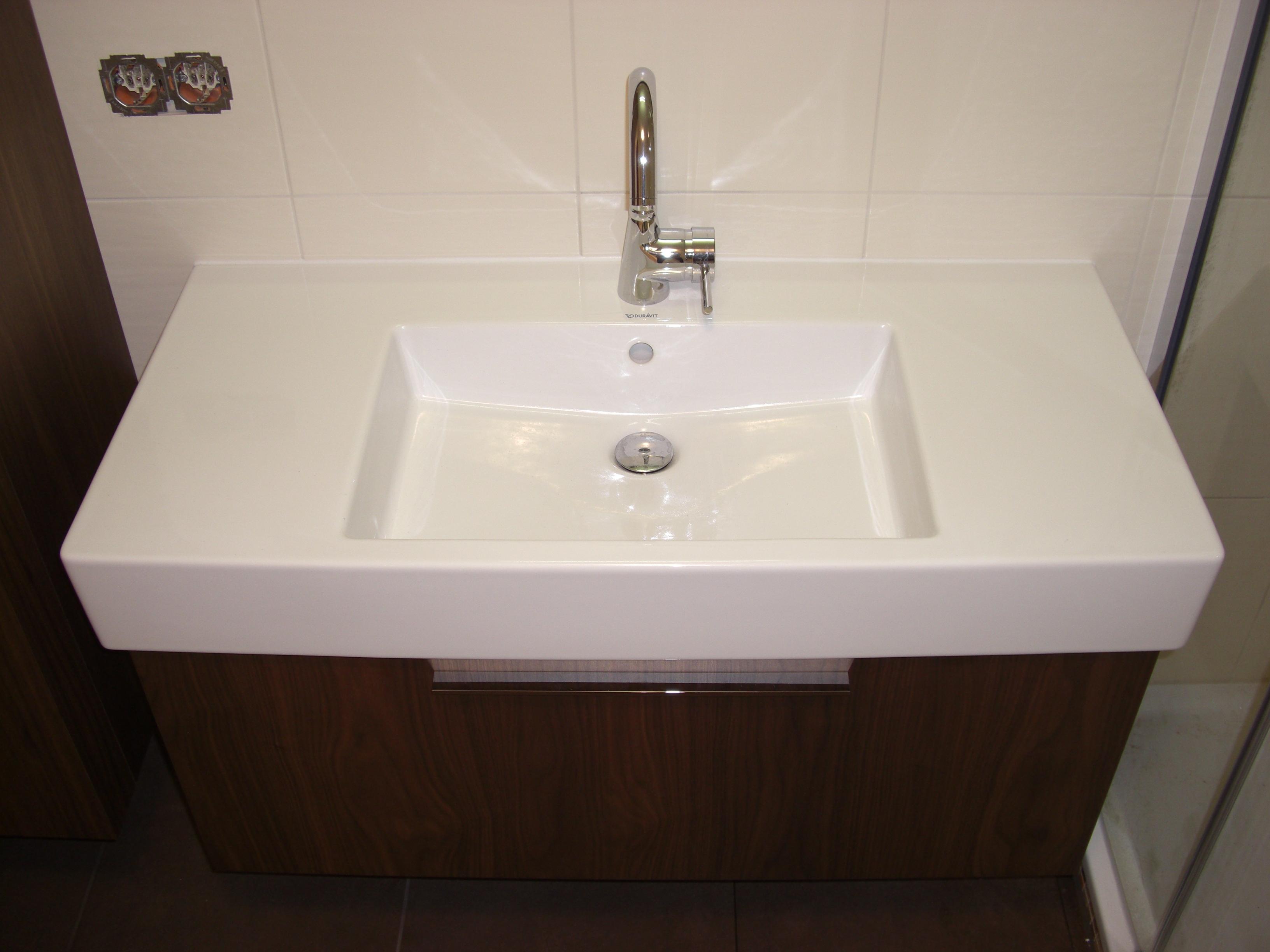 Duravit waschbecken eckig  Waschbecken Behindertengerecht Duravit ~ Duravit starck 3 wall ...