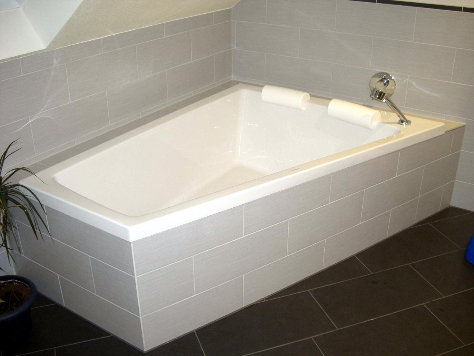 eck badewanne duravit paiova bernd block haustechnik. Black Bedroom Furniture Sets. Home Design Ideas